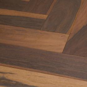 Oak Molto Vulcano Herringbone 90* white oil – паркетна дошка, з багатовіковою історією.
