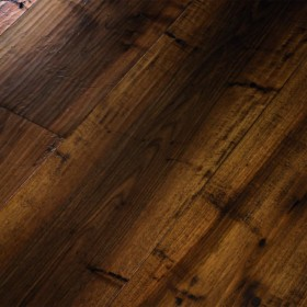 Ca' Diedo – паркетна дошка із європейського горіха вражаючого кольору та текстури